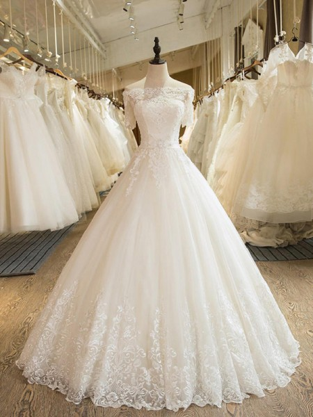 Ball Gown 1/2 Sleeves Floor-Length Applique Lace Tulle Wedding Dress